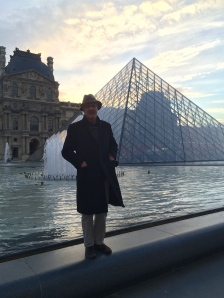 Pops at the Louvre